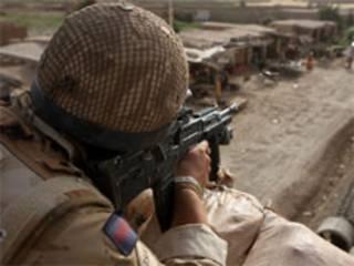 سرباز بریتانیایی در هلمند