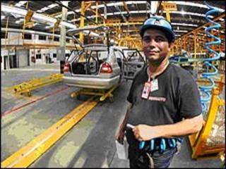 Fábrica de autos venezolano-iraní, Venirauto (Foto: cortesía Ministerio de Información y Comunicaciones).