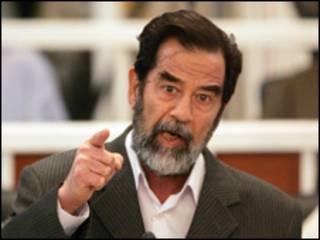 صدام اثناء محاكمته