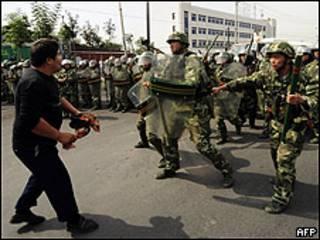 Disturbios en Urumqi