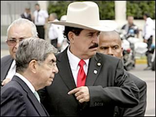 سيلايا برفقة رئيس كوستا ريكا اوسكار ارياس