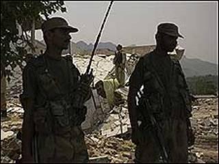स्वात घाटी में सैनिक