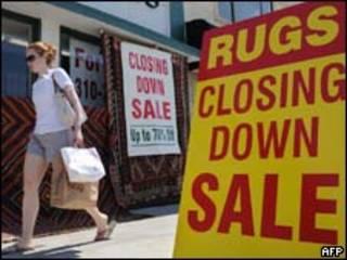 Loja em Los Angeles anuncia estar encerrando suas atividades (AFP, 16/6)