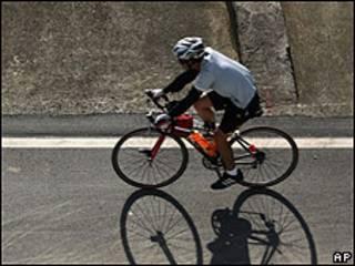 Ciclista (foto de archivo)