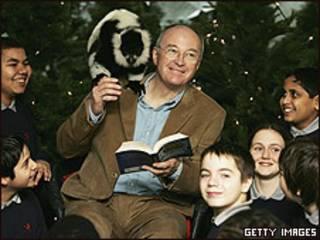 El escritor infantil Philip Pullman en una lectura de su libro.