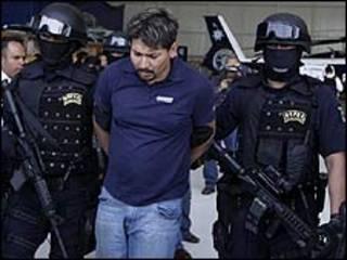 """اعتقال ارنولدو رويدا، زعيم عصابة """"لا فاميليا"""""""