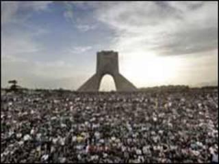 تظاهرات مخالفان در میدان آزادی پس از انتخابات