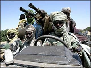 تتهم جماعات حقوق الانسان الحكومة السودانية بارتكاب مذابح في دارفور