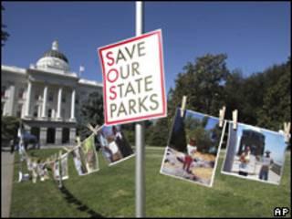 Protesta contra el cierre de parques nacionales en California.