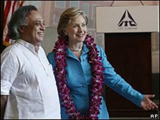 Hillary Clinton y Jairam Ramesh