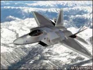الطائرة المقاتلة النفاثة إف 22
