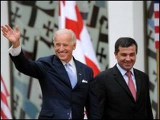 Phó tổng thống Mỹ Joe Biden với chủ tịch QH Gruzia David Bakradze
