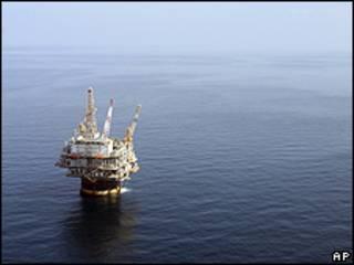 Estación petrolera en el Golfo de México.