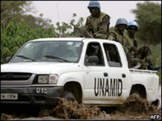Efectivos de la misión de paz en Darfur