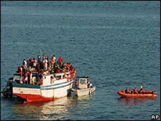 Emigrantes haitianos en una embarcación / Foto de archivo