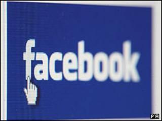 Facebook cierra páginas de 30 presos británicos