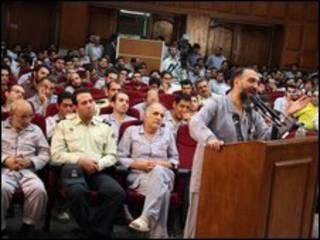 محمد علي أبطحي أمام المحكمة