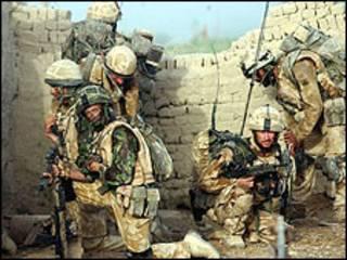 Soldado británico en Afganistán