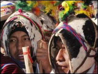 سكان بوليفا الاصليون في احتفال