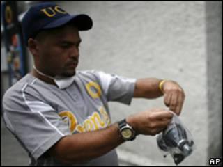 Gases lacrimógenos en ataque a Globovisión.