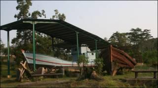 Phương tiện vượt biển của thuyền nhân Việt Nam