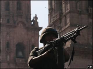 Soldado mexicano en el estado de Michoacán.