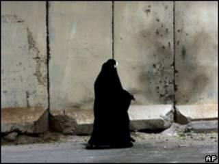 Muro antiexplosivos en Bagdad.
