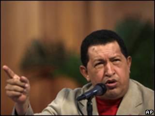 O presidente da Venezuela, Hugo Chávez, durante coletiva nesta quarta-feira (AP)
