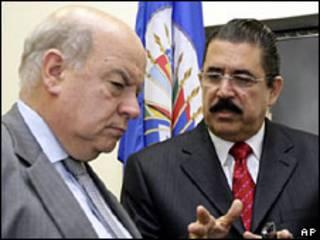 José Miguel Insulza e Manuel Zelaya (arquivo)