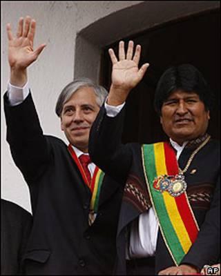 Álvaro García Linera (izq.) y Evo Morales