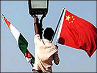 भारत-चीन झंडे