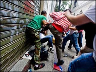 Periodistas atacados en Venezuela. Foto: Cadena Capriles