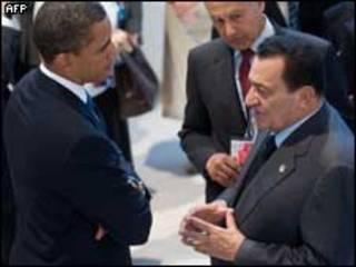 حسني مبارك وباراك أوباما وبينهما أحمد أبو الغيط