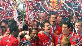 Manchester United đoạt Cup Ngoại hạng năm ngoái