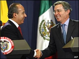 Felipe Calderón y Álvaro Uribe