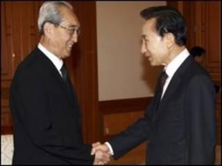 دیدار لی میونگ-باک با هیات کره شمالی