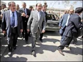 نوري المالكي وهوشيار زيباري يتفقدان وزارة الخارجية بعد 5 أيام من تفجيرها