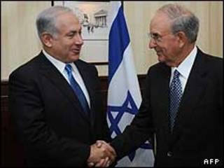 بنیامین نتانیاهو و جورج میچل