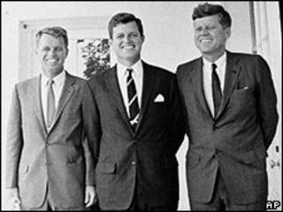 Robert, Edward y John Kennedy en 1962