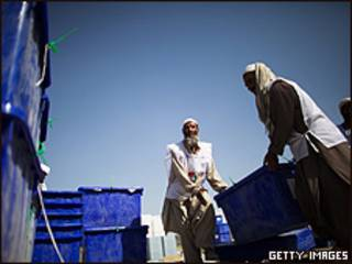 انتقال مواد انتخاباتی (عکس آرشیو)