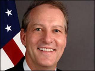 Christopher J. McMullen (foto gentileza Departamento de Estado)