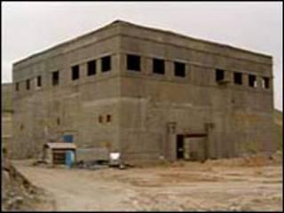 المبنى قبل تدميره