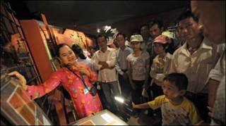 Thăm bảo tàng Hồ Chí Minh