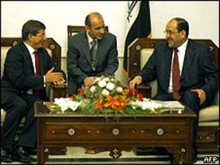 محادثات المالكي وأوغلو  في بغداد
