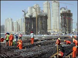 عمال بناء في دبي