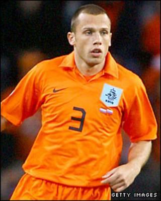 Johnny Heitinga hậu vệ người Hà Lan vừa đầu quân cho Everton