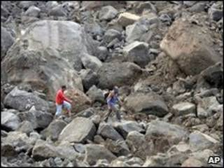 Dezenas de pessoas estão desaparecidas na cidade de Cianjur