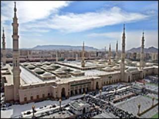 मदीना में मस्जिद