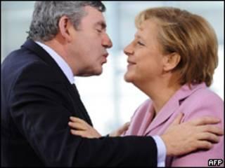 el primer ministro británico Gordon Brown y la canciller alemana Angela Merkel