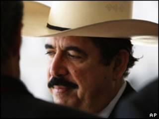 O presidente deposto de Honduras, Manuel Zelaya (AP, arquivo)